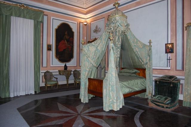 I luoghi di napoleone guide turistiche liguria - Camera da letto del papa ...