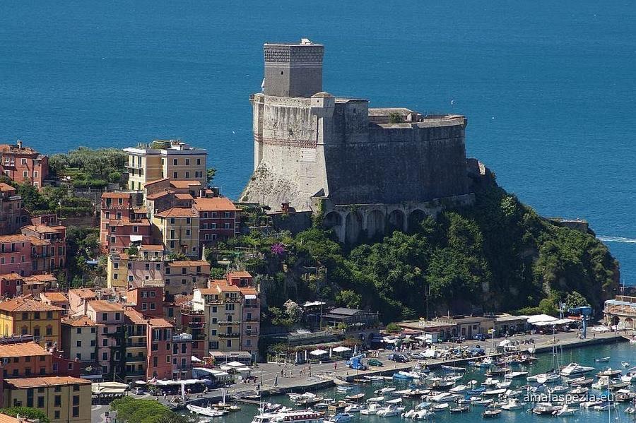 city and sea resort la spezia